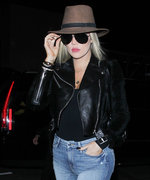 Khloé Kardashian Puts Her Toned Physique on Display in Skinny Jeans and Yeezy Boots at LAX