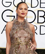 See Yourself in Chrissy Teigen's Golden Globes Makeup—No Glam Squad Required