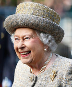 Queen Elizabeth Needs Help Decorating Buckingham Palace