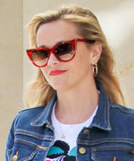 Reese Witherspoon Owns This Gucci Handbag in Two Different Colors