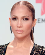 Daily Beauty Buzz: J.Lo's Glossy Nude Lip
