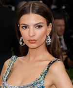 Emily Ratajkowski Says She's Never Done This One Super Common Thing With Her Hair