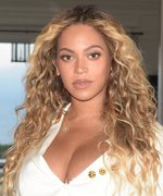 Beyoncé's Instagram Will Make You Want to Wear Blue Lipstick
