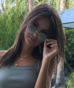 Emily Ratajkowski's Abs Look Even Hotter Than Usual in This $38 Crop Top