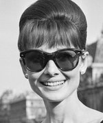 Oscar de la Renta Just Unveiled These Audrey Hepburn-Inspired Shades