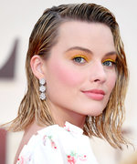 Daily Beauty Buzz: Margot Robbie's Yellow Eyeshadow