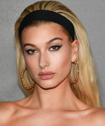 Daily Beauty Buzz: Hailey Baldwin's Mod Headband