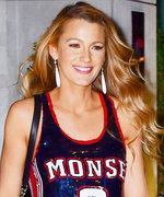 "Blake Lively Is Upset Ryan Reynolds Gets to Play ""Assholes"" But She Doesn't"