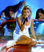 Selena Gomez Shuts Down the AMAs for Her First Performance Since Her Kidney Transplant