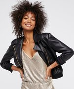 YAS—Save 50% Off or More on These Stylish Black Friday Deals