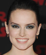 Daily Beauty Buzz: Daisy Ridley's Smoky Eye