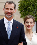 The Painfully Photogenic Spanish Royal Family Releases 2017 Christmas Card