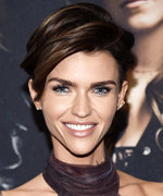 Daily Beauty Buzz: Ruby Rose's Sparkly Silver Eyes