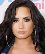 Daily Beauty Buzz: Demi Lovato's Beachy Waves