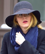 Blake Lively Looks Just Like Serena van der Woodsen in This Wintry Look