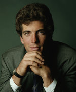 """JFK Jr.'s Friend and Biographer Says Jackie Kennedy Was a """"Helicopter Mom"""""""