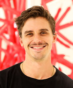 """Antoni Porowski Says This Cheap Vegetable Is Going to Be the """"It"""" Food of 2020"""