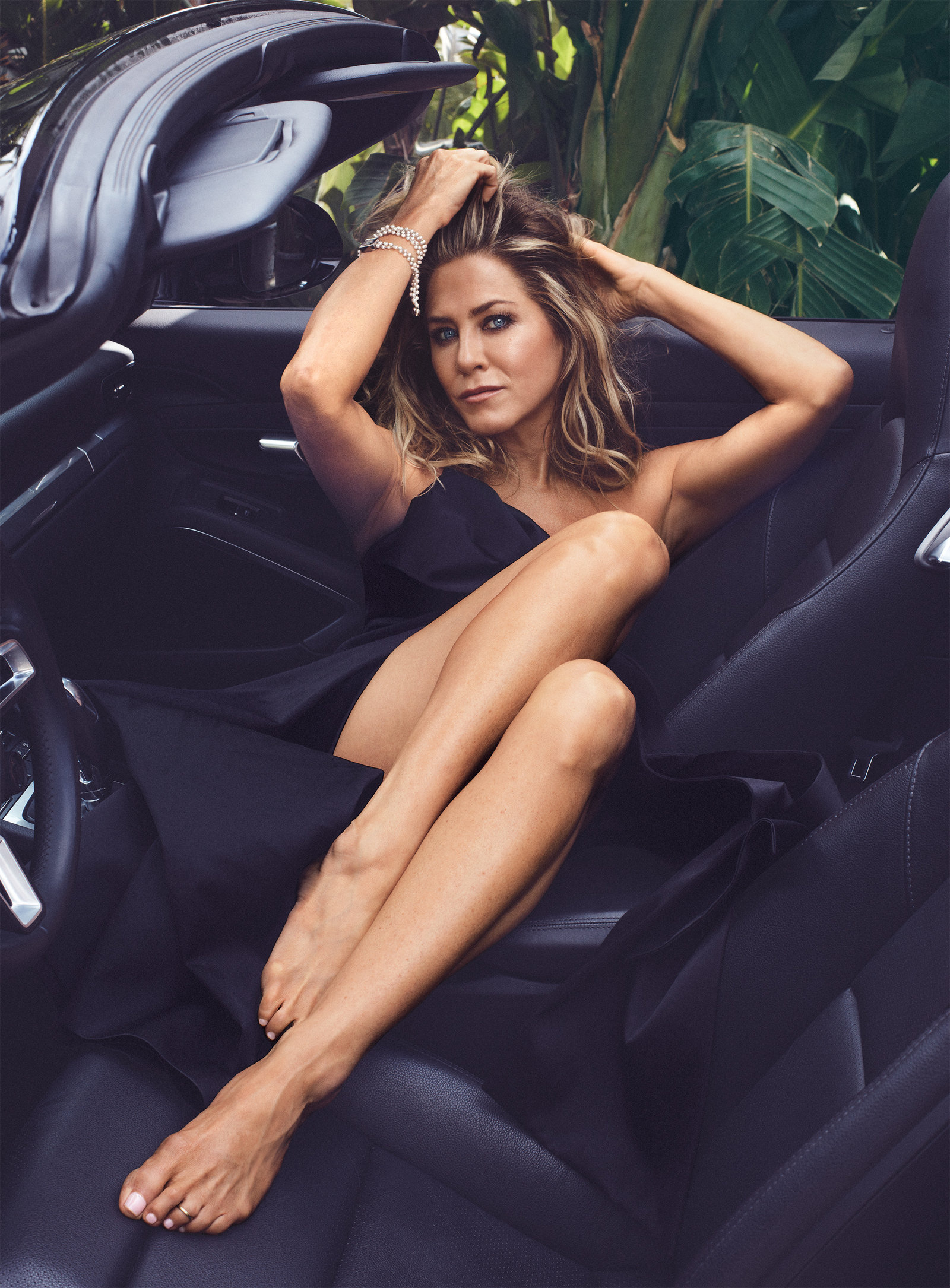 Jennifer Aniston Is Doing Just Fine Instyle Com