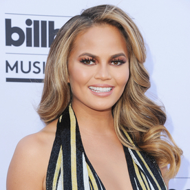 Loved Chrissy Teigen's Bombshell Waves at the Billboard Music Awards? Here's How to Get Them