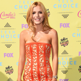 See the Hottest Looks at the Teen Choice Awards 2015