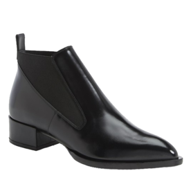 <p>Yarrow Leather Chelsea Ankle Boots</p>