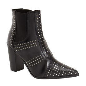 <p>Studded Pointy-Toe Boots</p>