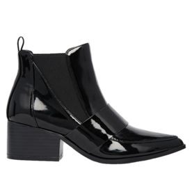 <p>Pointed Chelsea Ankle Boots</p>