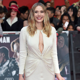Elizabeth Olsen's Daring Dress at the Captain America: Civil War Premiere Made Chris Evans Stop and Stare