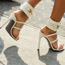 ​I Wore Only Heels for a Week and Didn't Hate It (But My Knees Did)