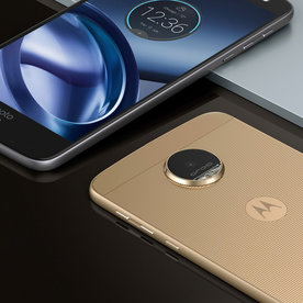 3 Crazy Awesome Things the New Moto Z Droid Phone Can Do