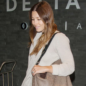 Jessica Biel Goes Makeup-Free While Showing Off Her Casual-Cool Airport Style