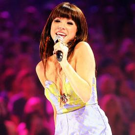 2012 Teen Choice Awards: Who Carly Rae Jepsen Calls for Clothes