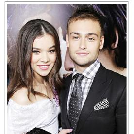 Hailee Steinfeld and Douglas Booth Looked Adorable Together at the Romeo and Juliet Premiere in LA
