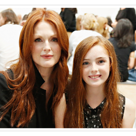 Photo of the Day: Julianne Moore and Her Daughter Liv are Adorable