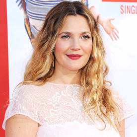 Lunchtime Links: Drew Barrymore's Family Snapshot Will Make Game of Thrones Fans Smile, Plus More Must-Reads