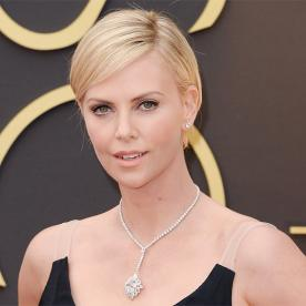 Charlize therons changing looks instyle charlize theron academy awards urmus Image collections