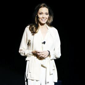 Master the Art of Mismatched Whites Like Angelina Jolie