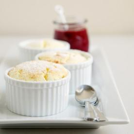 Make Your Monday Sweeter With This Lemon Soufflé Dessert and More Lunchtime Links