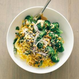 Go Nuts for This Spaghetti Squash Noodle Bowl, and More Lunchtime Links