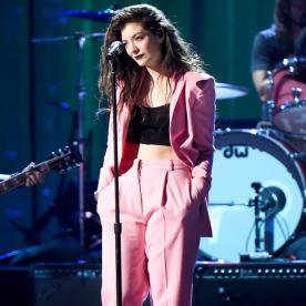 Lorde Wears a Bubblegum Pink Vionnet Suit at the Rock and Roll Hall of Fame Ceremony