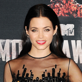 How to Recreate Jenna Dewan's Sleek Waves from the MTV Movie Awards