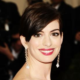Flawless! Recreate Anne Hathaway's Makeup Look from the 2014 Met Gala