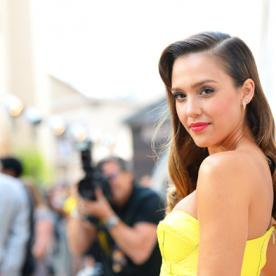 """Jessica Alba Reveals Her """"Appropriate But Playful"""" Summer Style Staples"""