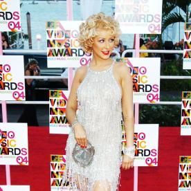 Lunchtime Links: A Look Back at the 2004 MTV Video Music Awards, Plus More Must-Reads