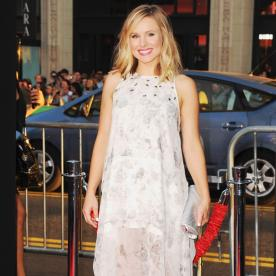 We Can't Take Our Eyes Off Kristen Bell's Ethereal Maternity Ensemble