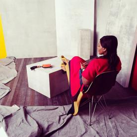 Sneak Peek! Go Behind the Scenes at Mindy Kaling's InStyle Shoot with the Star Herself