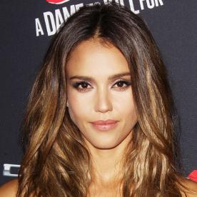 Here's Exactly How to Get Jessica Alba's Gorgeous Caramel Highlights