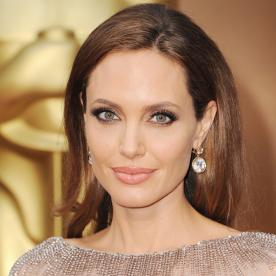 Lunchtime Links: Angelina Jolie Goes Blonde for By the Sea with Brad Pitt, Plus More Must-Reads