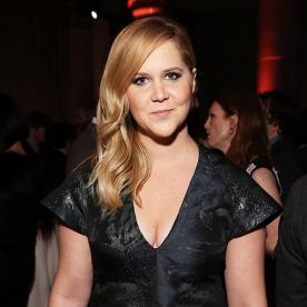Amy Schumer Announces Herself That She Will Be Hosting the 2015 MTV Movie Awards