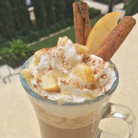 How to Prepare a Beautiful Latte for Your New Year's Brunch Guests